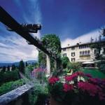 The exterior of Hotel Villa Cipriana