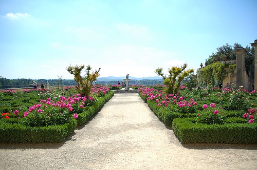 Giardino de Boboli is a great place to relax in Florence