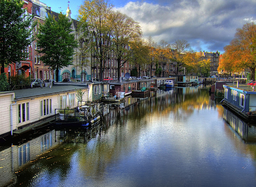 One of the many beautiful canals in Amsterdam - Photo: Joep R.