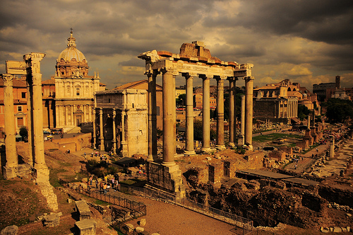 The Roman Forum is one of the most important archaeological sites in the world - Photo: juanRubiano